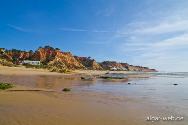 Blick auf Praia da Falesia, Portugal
