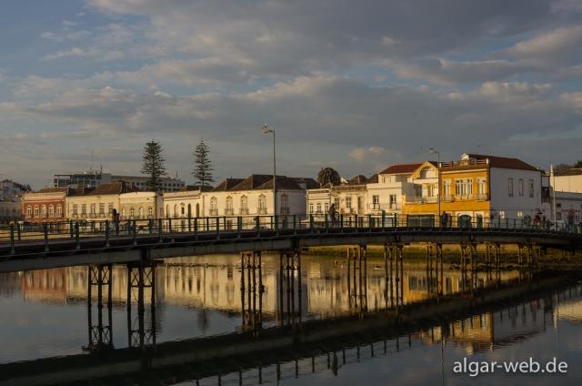 Abendstimmung in Tavira, Portugal