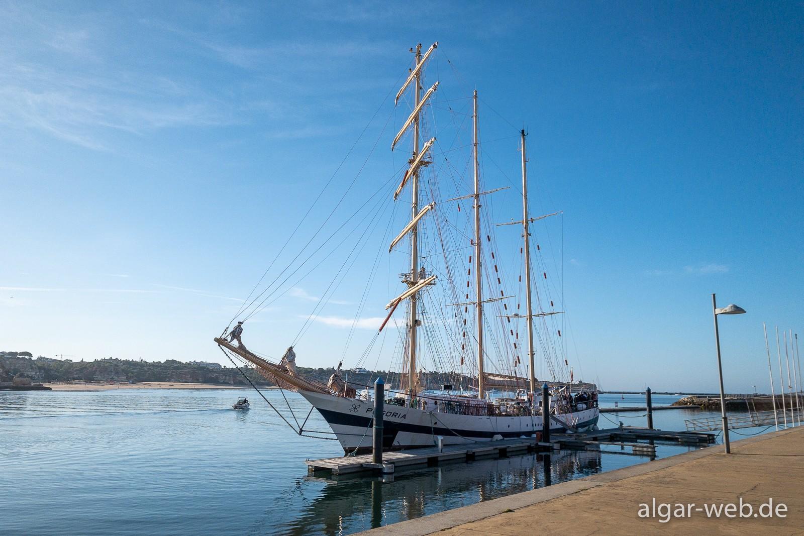 Hotel Tivoli Marina - oft mit Schiffsbesuch