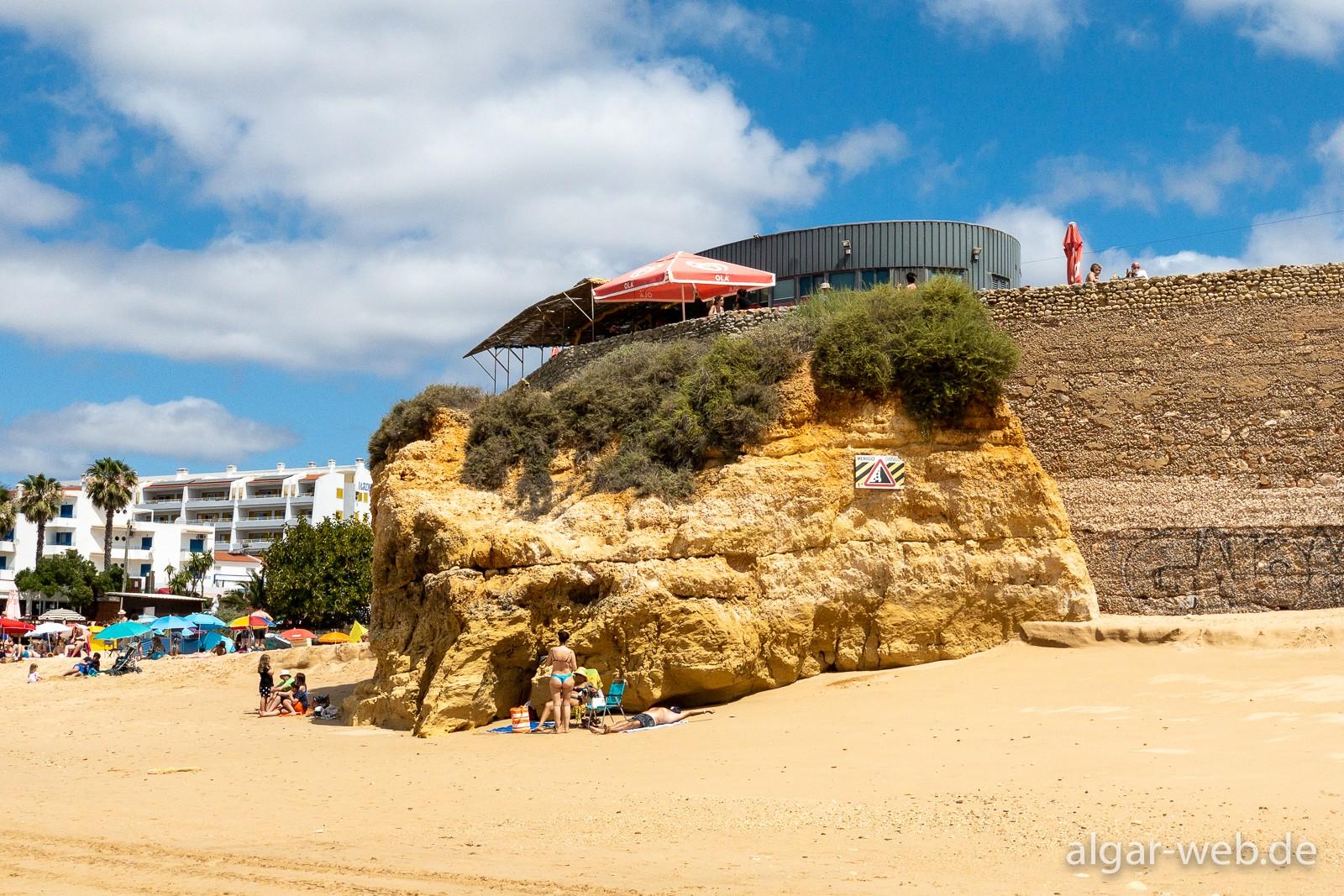 Pai Tomas oberhalb von Praia do Vau