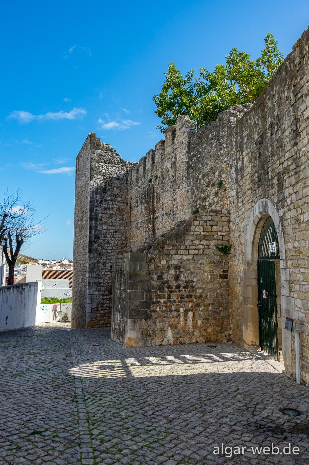 Tavira - Eingang zur alten Mauren-Burg